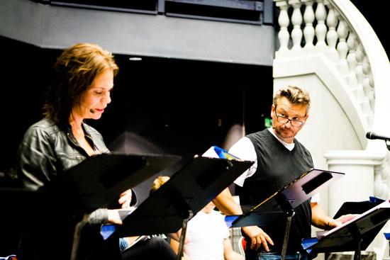 Anders och Anna-Maria Hallgarn vid reading av musikalen CAMERA